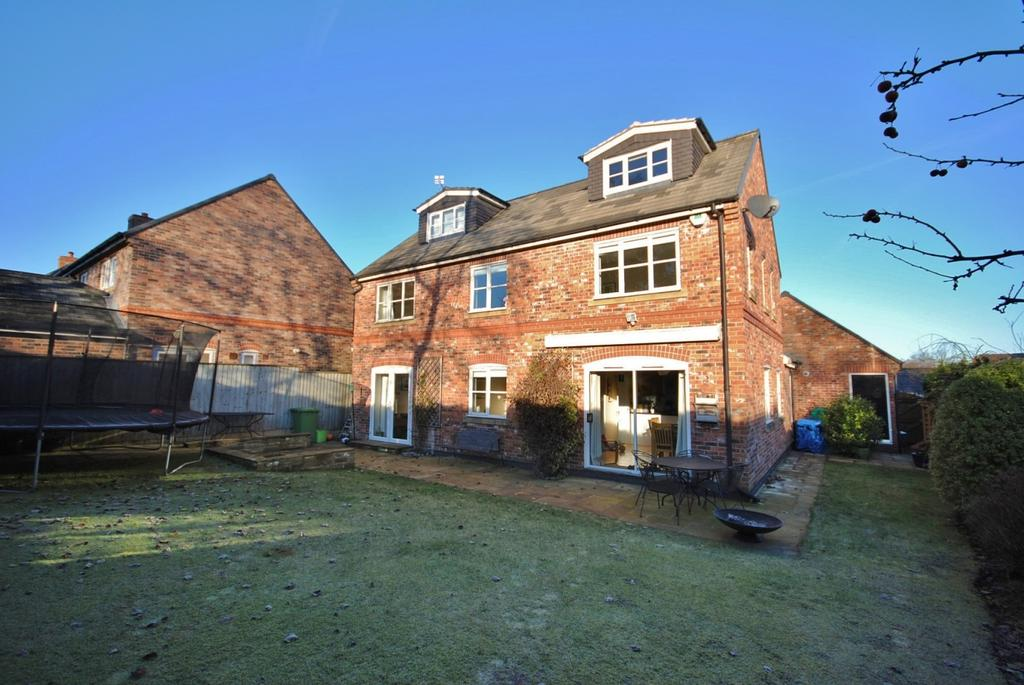 5 Bedrooms Detached House for sale in Bell Farm Court, Tytherington
