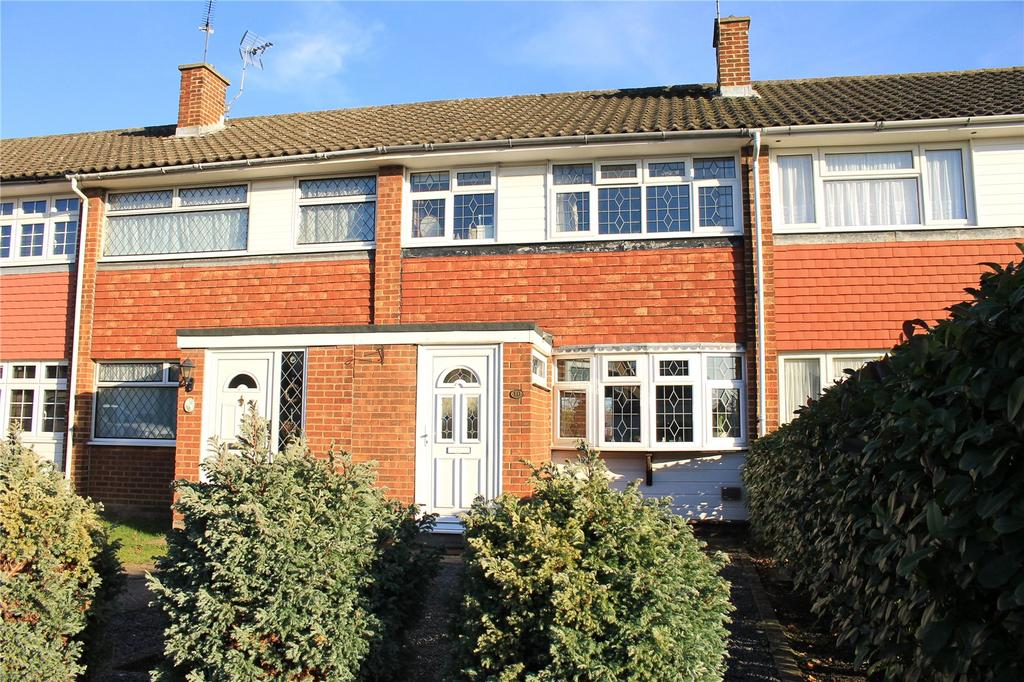 3 Bedrooms Terraced House for sale in Daffodil Avenue, Pilgrims Hatch, Brentwood, Essex, CM15