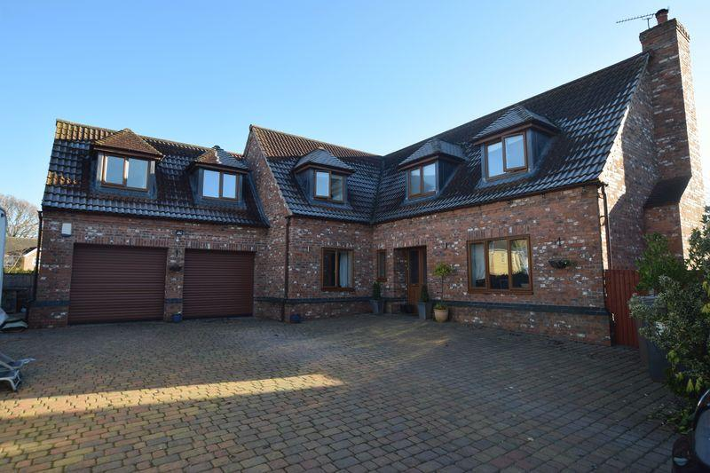 4 Bedrooms Detached House for sale in Blackthorn Court, South Hykeham, Lincoln