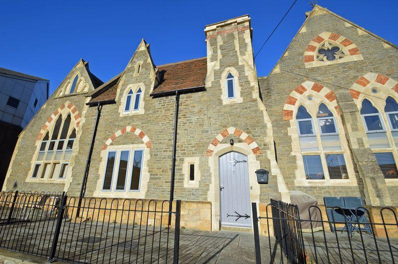 3 Bedrooms Terraced House for sale in Central location in Clevedon
