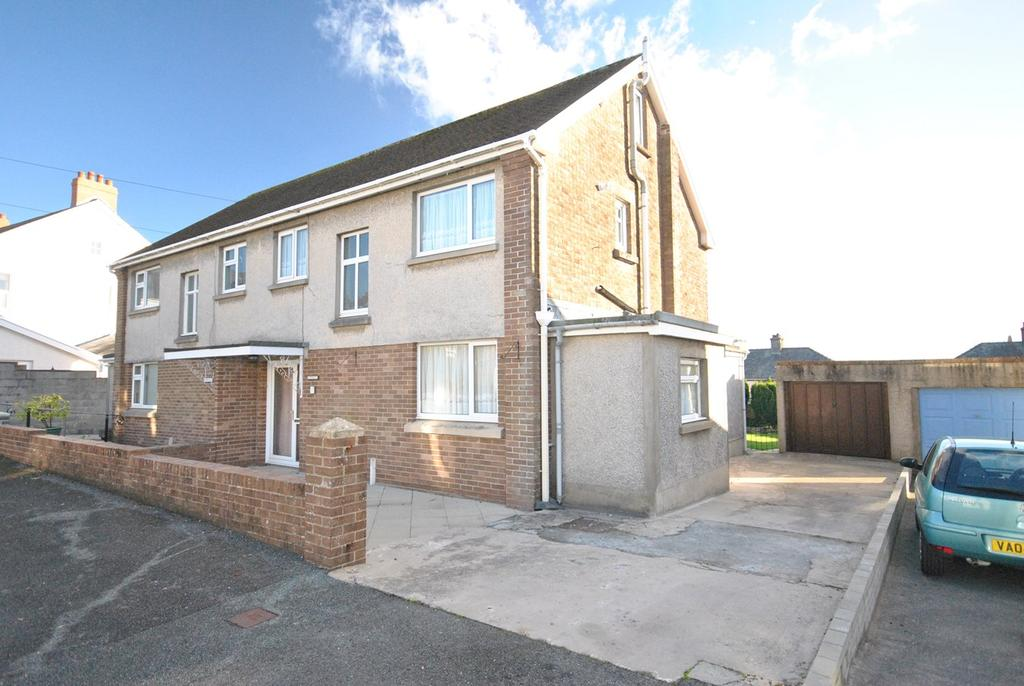 3 Bedrooms Semi Detached House for sale in Steele Avenue, Carmarthen, SA31