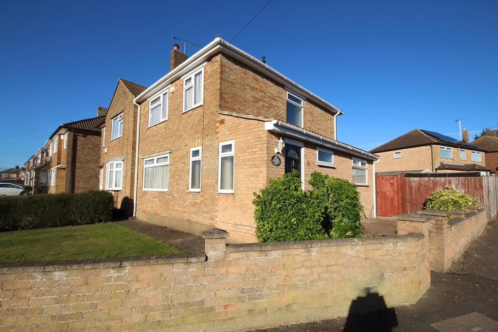 3 Bedrooms Semi Detached House for sale in Cranbrook Drive, Sundon Park, Luton, LU3