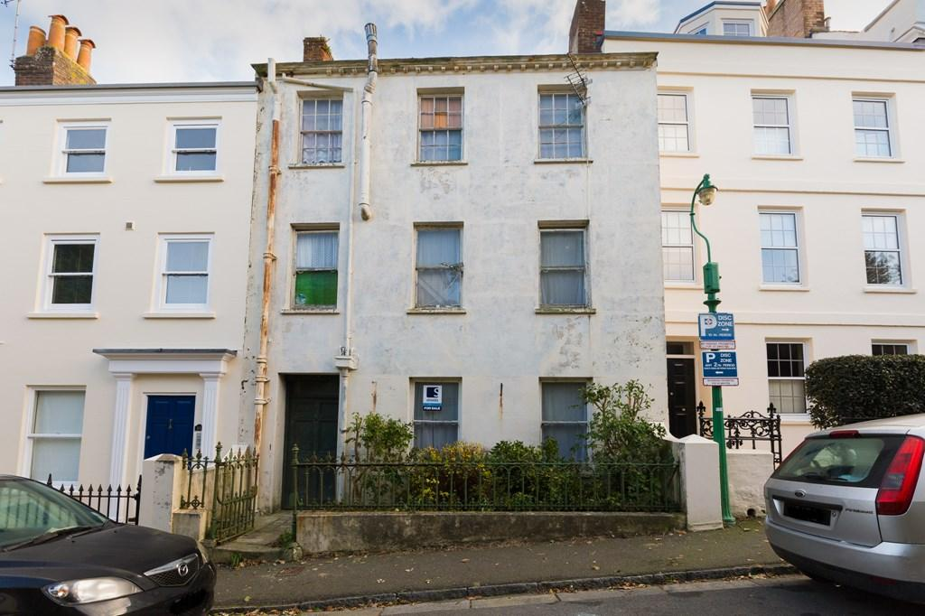 3 Bedrooms Terraced House for sale in 12 George Road, St. Peter Port, Guernsey