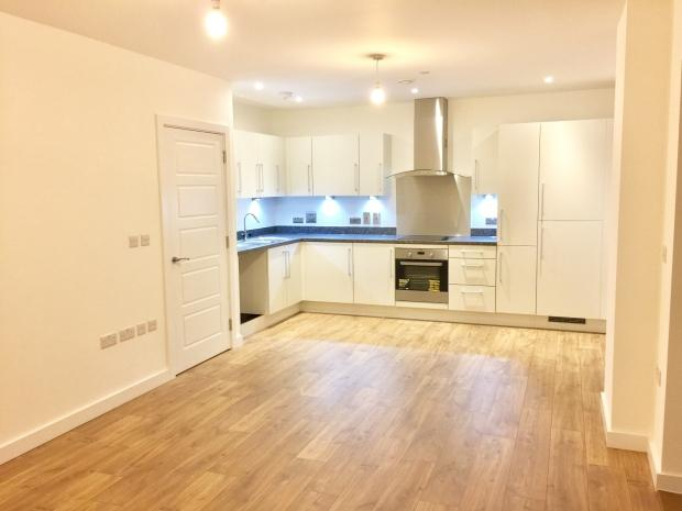 2 Bedrooms Apartment Flat for sale in Bawley Court Magellan Blvd, Royal Docks, E16
