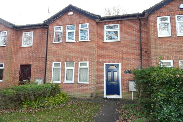 3 Bedrooms Terraced House for sale in Forest Road West, Nottingham, NG7