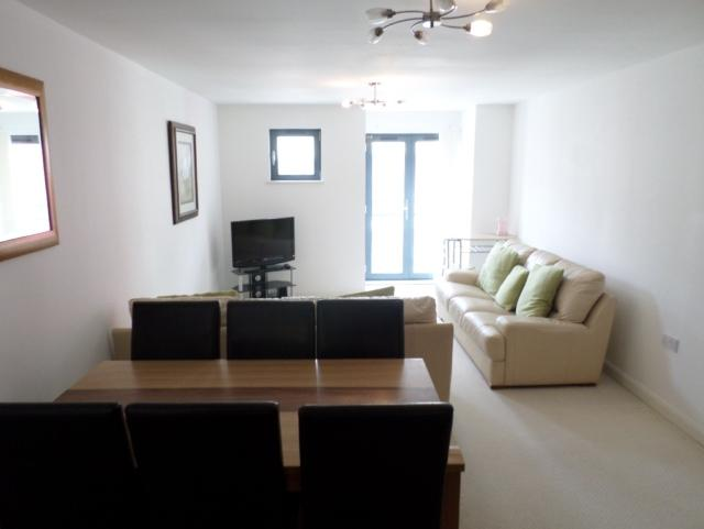 2 Bedrooms Apartment Flat for rent in 26 St Stephens Court Maritime Quarter Swansea