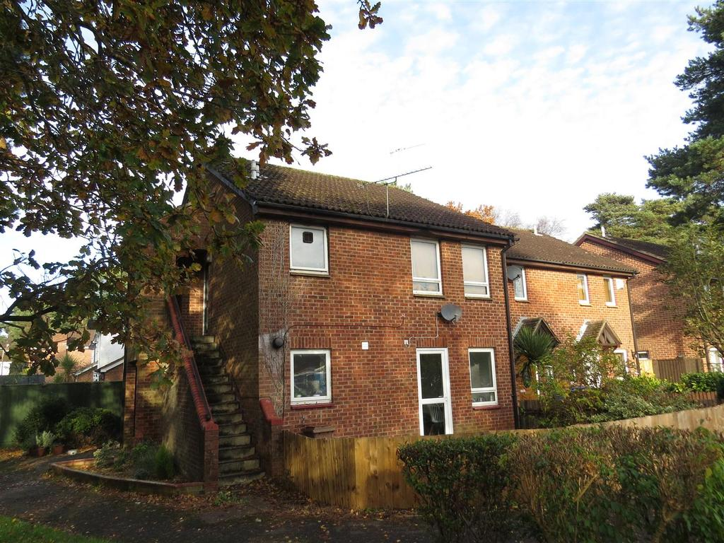 Studio Flat for sale in Martin Close, Poole