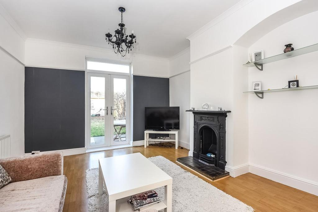 2 Bedrooms Terraced House for sale in Geraint Road, Bromley, BR1