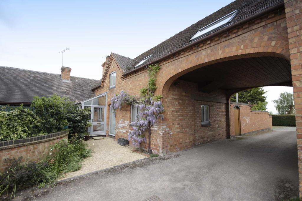 4 Bedrooms Barn Conversion Character Property for sale in Drury Lane, Martin Hussingtree, Worcester