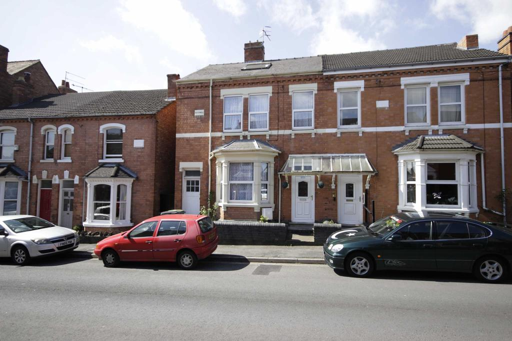 6 Bedrooms Semi Detached House for sale in Worcester