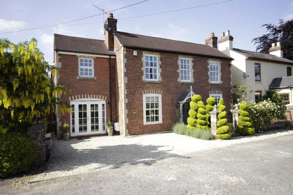 4 Bedrooms Detached House for sale in Hallow, Worcestershire