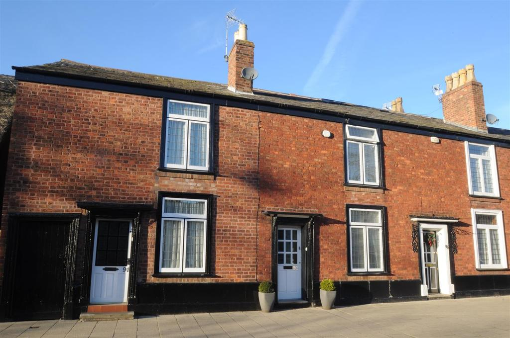 3 Bedrooms Cottage House for sale in Main Street, Frodsham