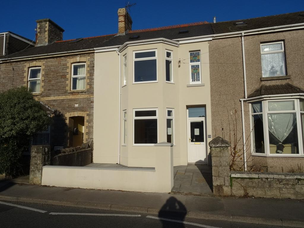 6 Bedrooms Terraced House for sale in NEW ROAD, PORTHCAWL, CF36 5BN