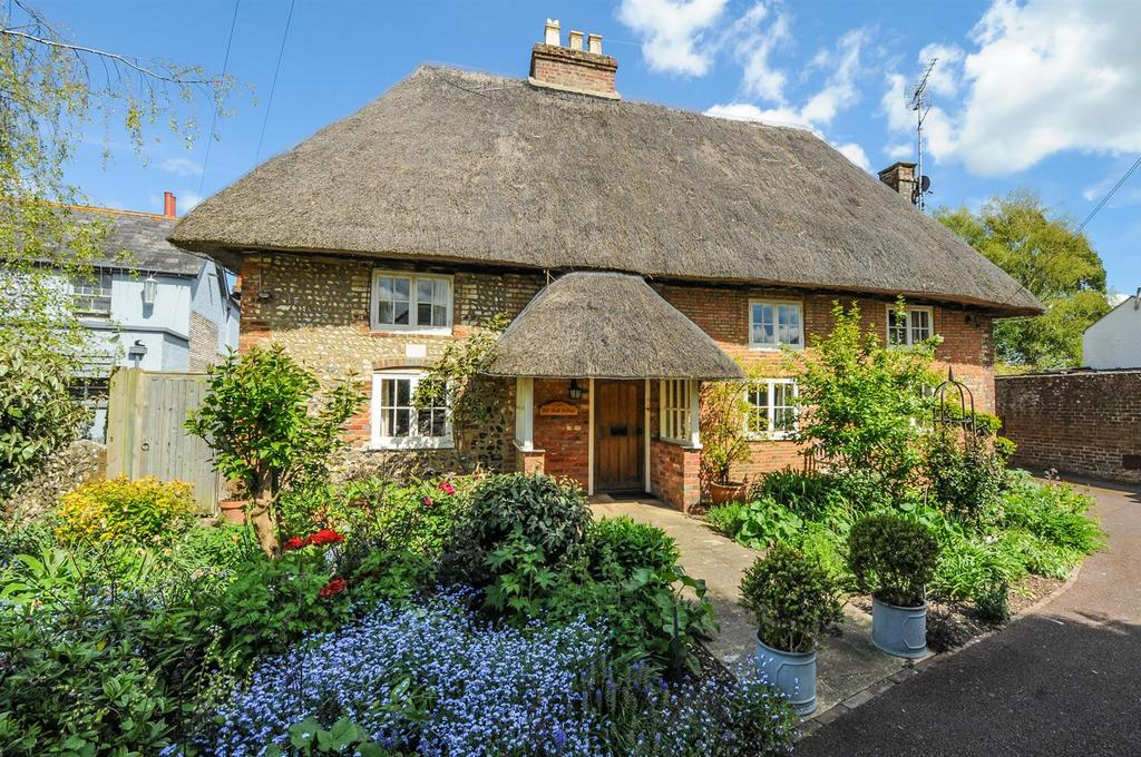 3 Bedrooms Detached House for sale in The Street, Walberton