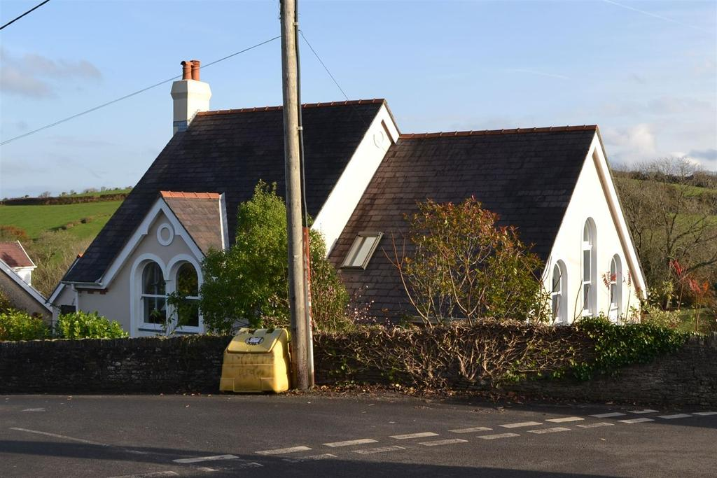 4 Bedrooms Detached House for sale in Blue Anchor Road, Penclawdd, Swansea