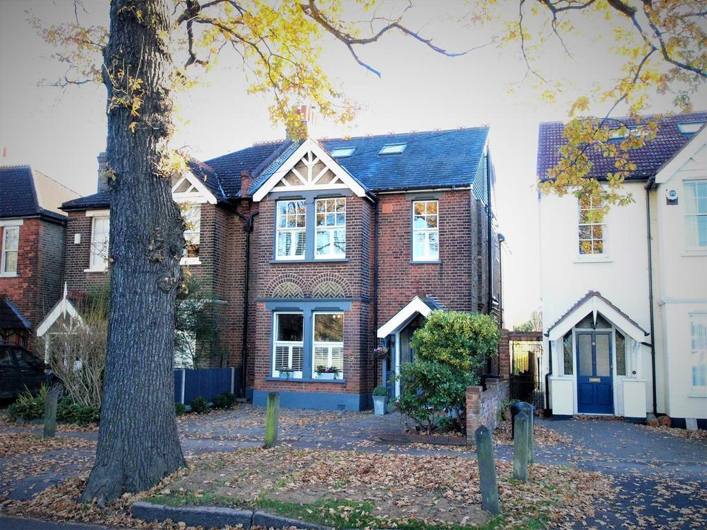 5 Bedrooms Semi Detached House for sale in Queensmead Road, Shortlands, Bromley