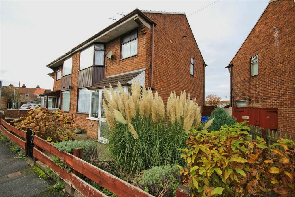 3 Bedrooms Semi Detached House for sale in Cherry Garth, Beverley, East Riding of Yorkshire