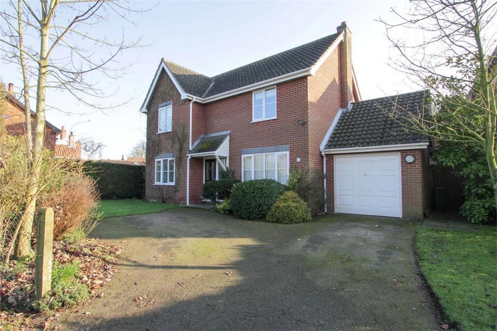4 Bedrooms Detached House for sale in Long Street, Great Ellingham, Norfolk