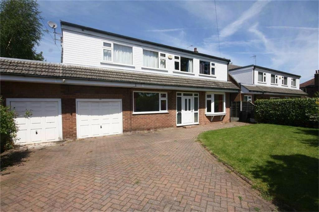 4 Bedrooms Detached House for sale in Delaunays Road, SALE, Cheshire