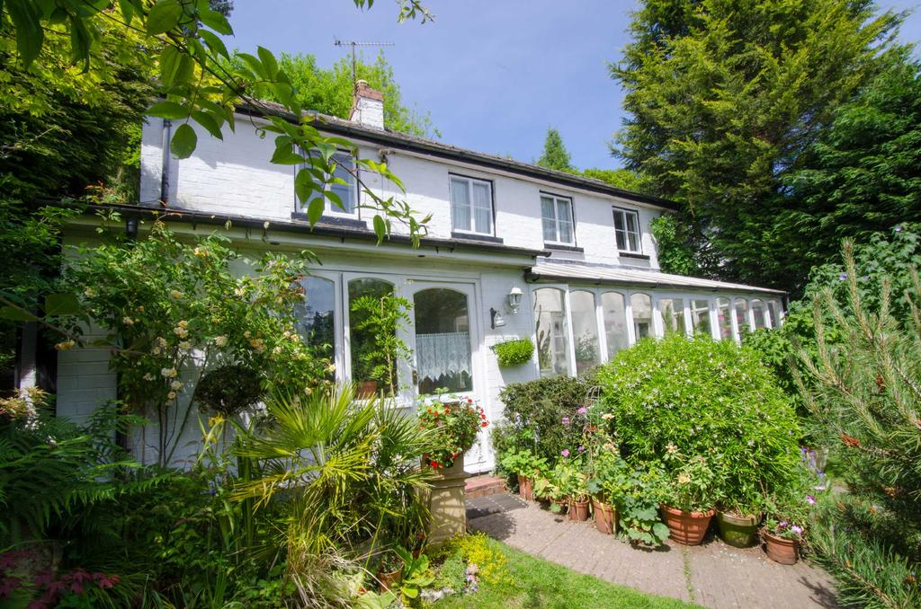 3 Bedrooms Detached House for sale in Malvern, Worcestershire