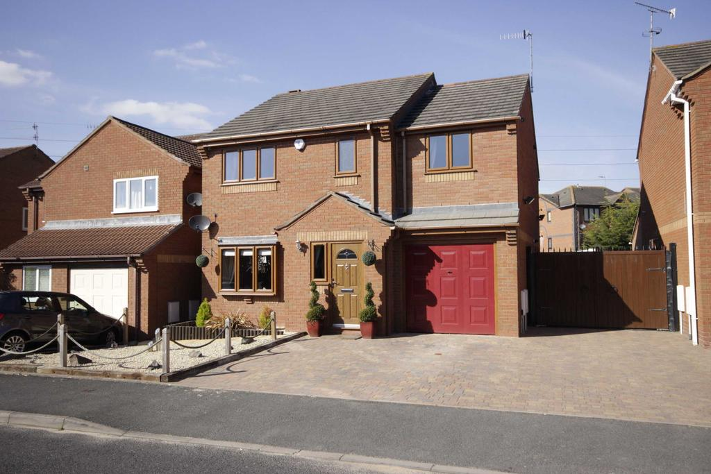 4 Bedrooms Detached House for sale in St Peters, Worcester