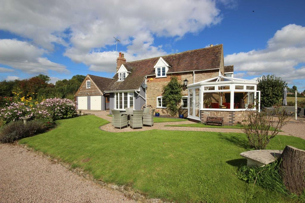 4 Bedrooms Detached House for sale in Worcestershire