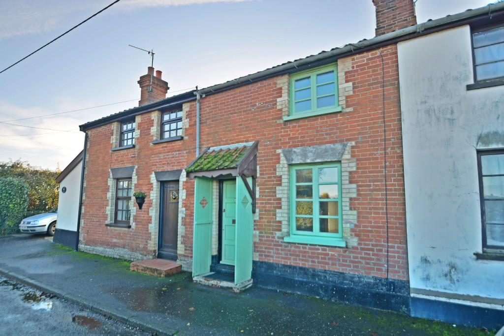2 Bedrooms Terraced House for sale in Heath Road, Banham