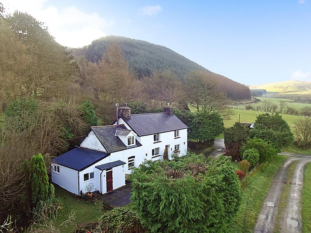 4 Bedrooms Detached House for sale in Talerddig, Llanbrynmair, Powys