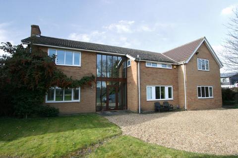 6 bedroom detached house to rent - Huntingdon Road, Cambridge