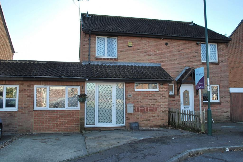 4 Bedrooms Terraced House for sale in Merlin Way, Middleton-On-Sea, Bognor Regis, PO22