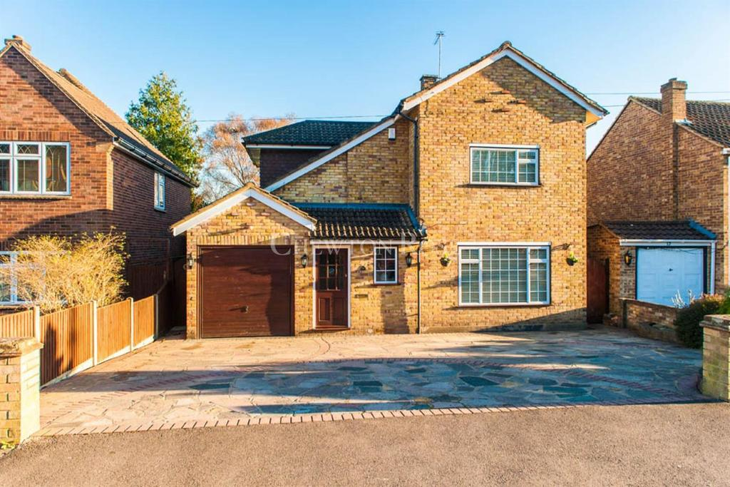 4 Bedrooms Detached House for sale in Denham, Buckinghamshire