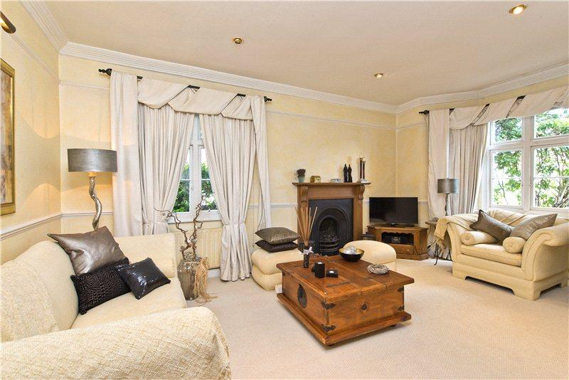 2 Bedrooms Semi Detached House for sale in Belvedere Square, Wimbledon Village, London, SW19