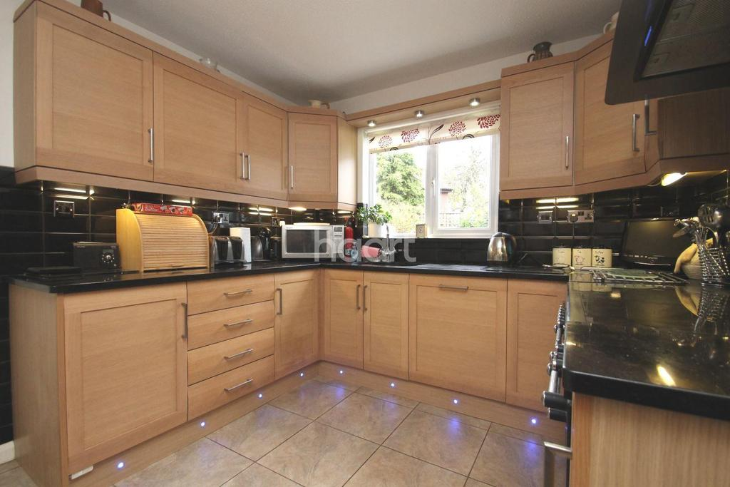4 Bedrooms Detached House for sale in Grange Park