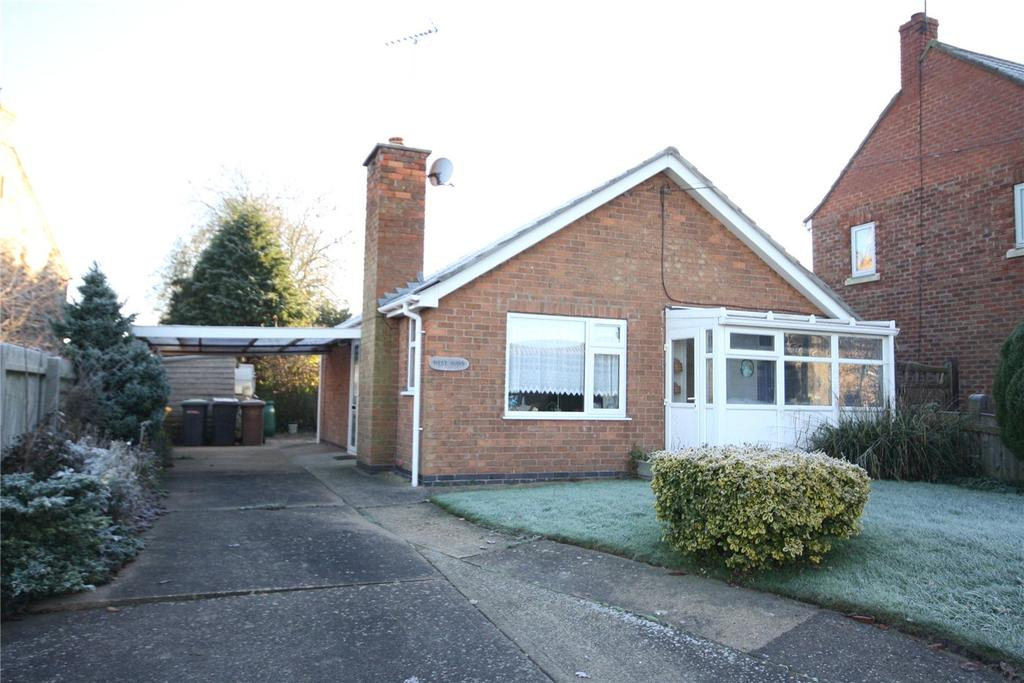 2 Bedrooms Detached Bungalow for sale in Main Road, Potterhanworth, Lincoln, LN4
