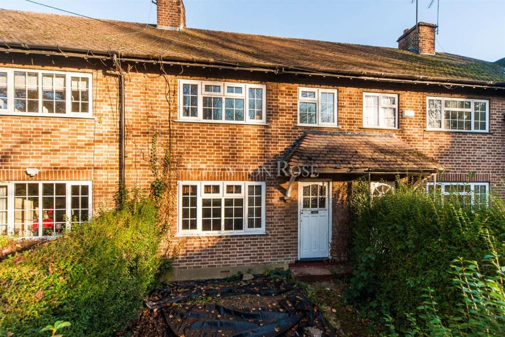 3 Bedrooms Terraced House for sale in Harefield, Middlesex