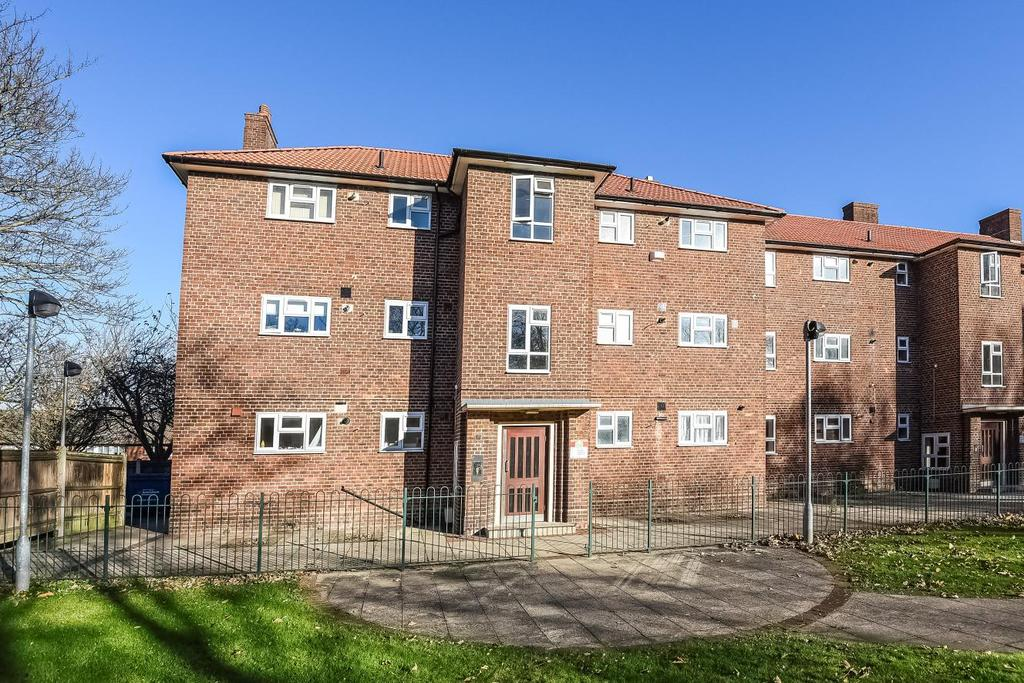 1 Bedroom Flat for sale in Swiftsden Way, Bromley, BR1