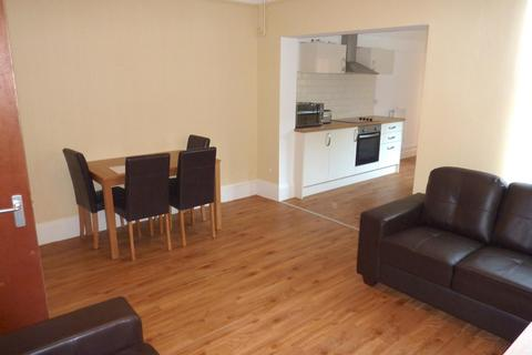 4 bedroom terraced house to rent - Eastbourne Street, LINCOLN LN2