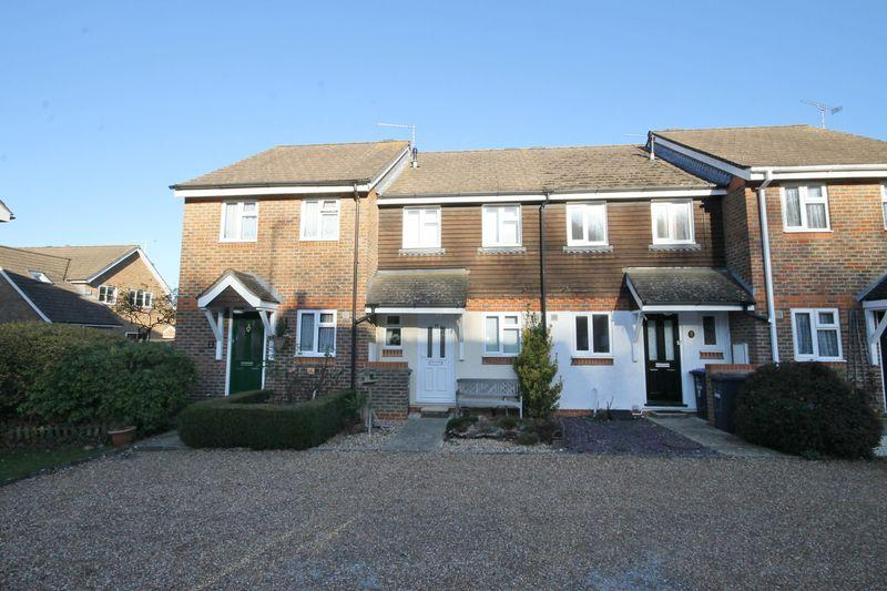 2 Bedrooms Terraced House for sale in Heath Close, Sayers Common, West Sussex