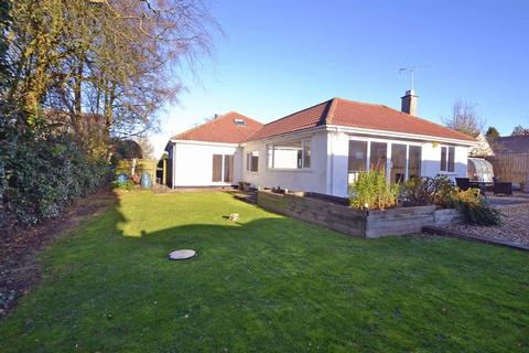 5 bedroom detached bungalow to rent - Yards from countryside in Failand