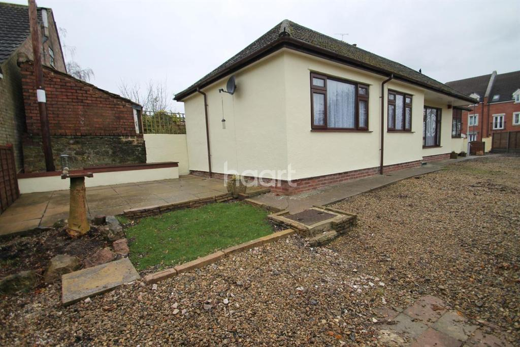 2 Bedrooms Bungalow for sale in Old Barrow Hill