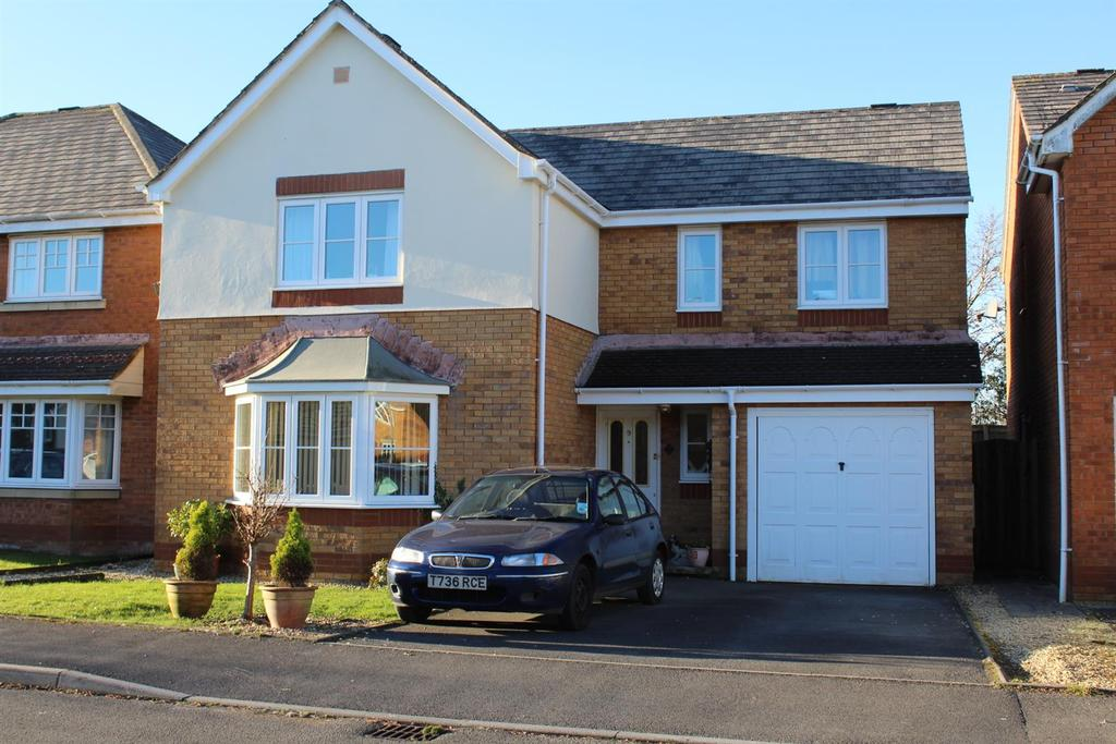 4 Bedrooms Detached House for sale in Bryn Dreinog, Capel Hendre, Ammanford