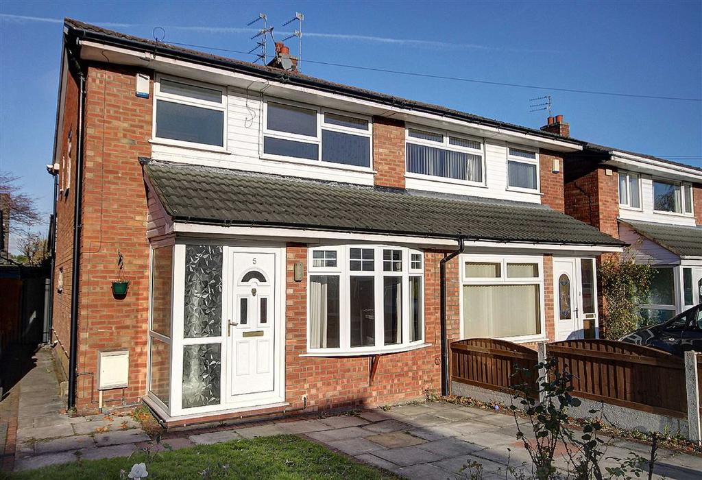 3 Bedrooms Semi Detached House for sale in Gawsworth Close, Timperley, Cheshire
