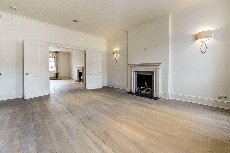 3 Bedrooms Maisonette Flat for sale in Eaton Place, Belgravia, London, SW1X