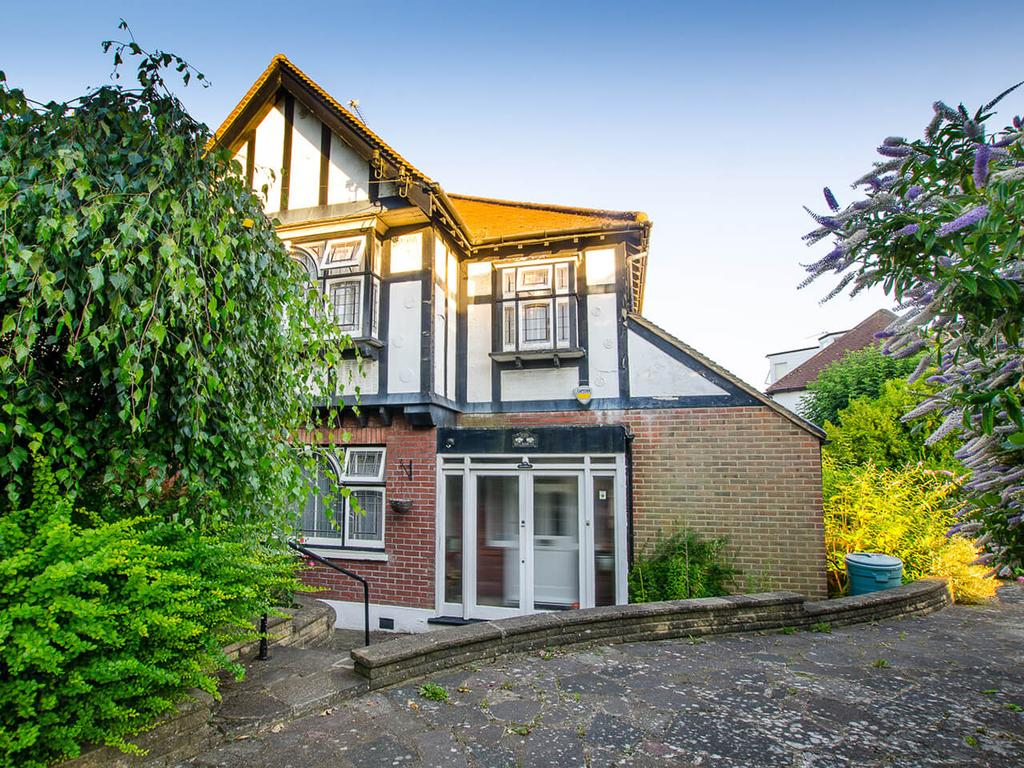 3 Bedrooms Semi Detached House for sale in East End Road, N2