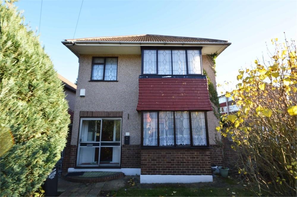 3 Bedrooms Detached House for sale in Clarendon Gardens, Dartford