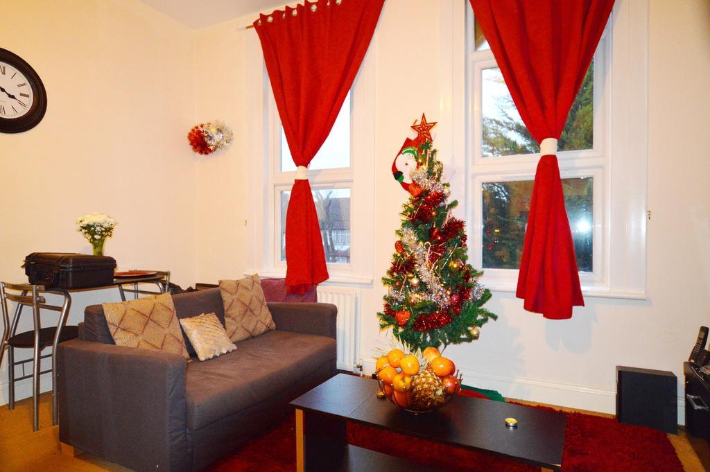 1 Bedroom Flat for sale in Southwood Road New Eltham SE9