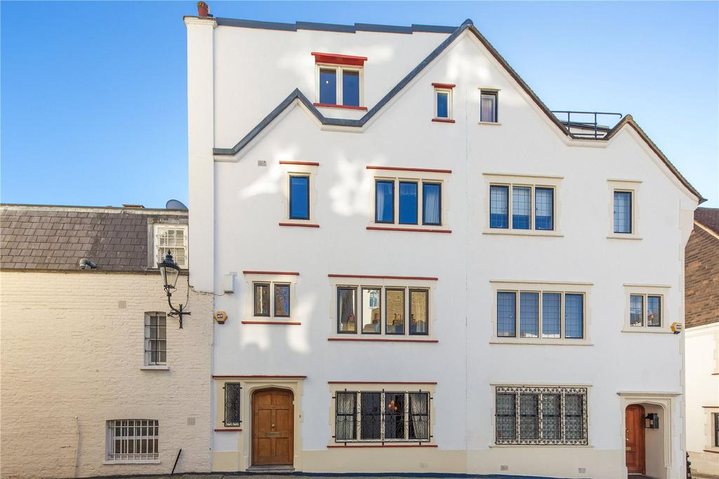 3 Bedrooms House for sale in Ennismore Street, London, SW7