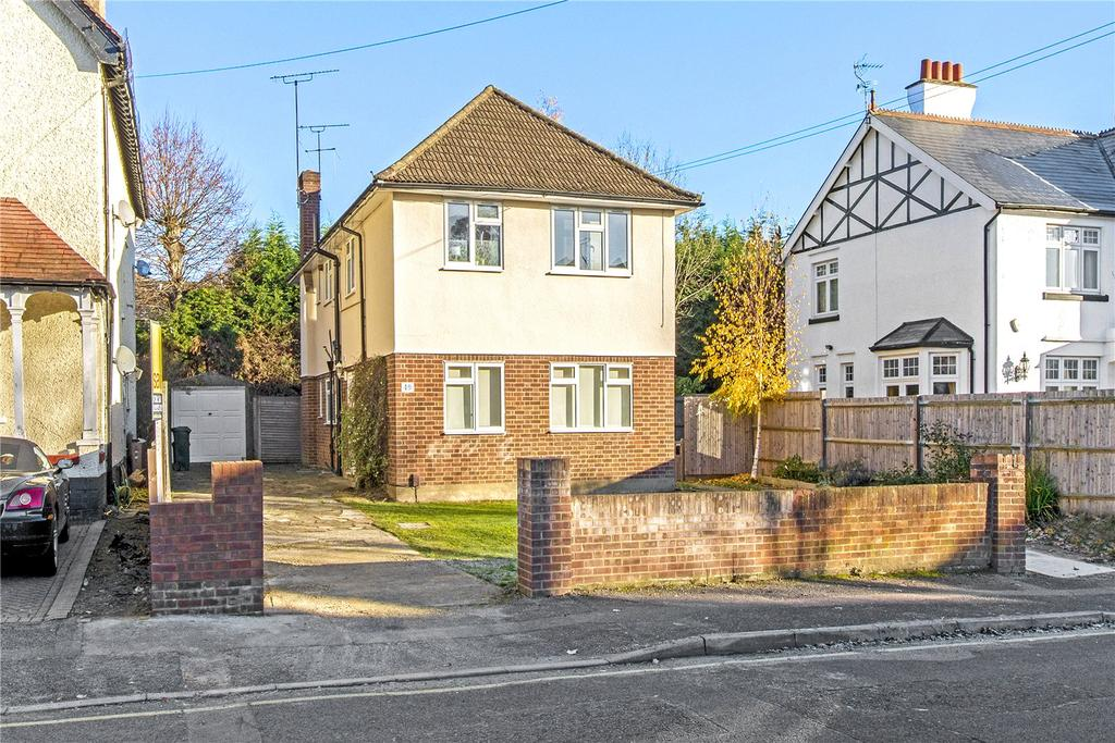 2 Bedrooms Maisonette Flat for sale in Chester Road, Northwood, Middlesex, HA6