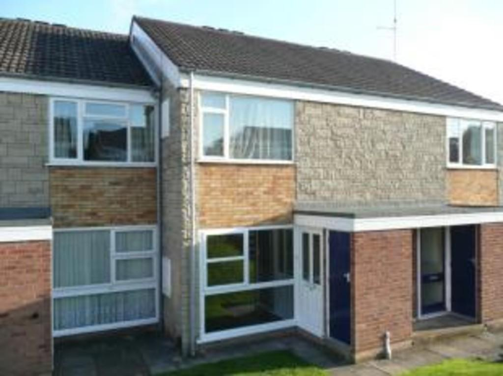 1 Bedroom Ground Flat for rent in Aintree Close, Kidderminster, DY11