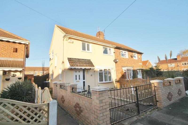 3 Bedrooms Semi Detached House for sale in Epping Avenue, Park End